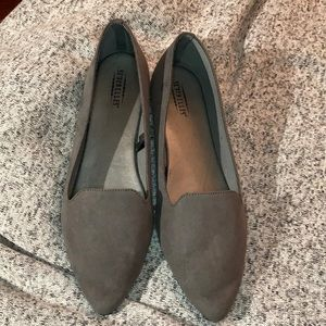 Anthropologie Seycelles Cashew Gray Flats 7.5